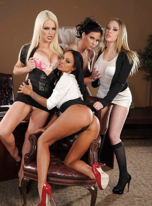 Lesbian Orgy Pictures